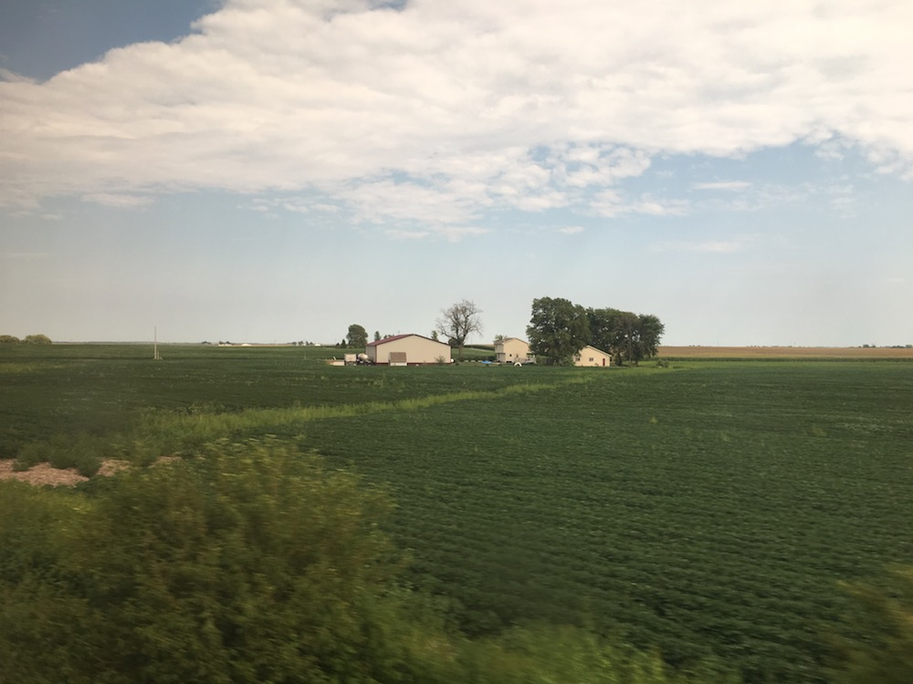 Riding Amtrak Business Class from Chicago to St. Louis